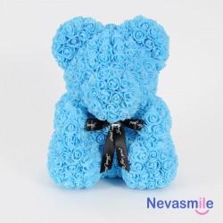 Teddybeer bedekt met...
